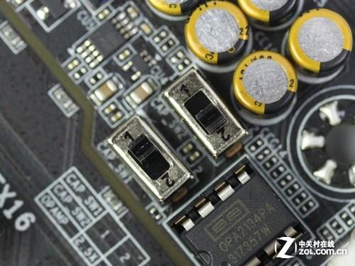 并且其电路设计上还加入了增益开关,用户可以根据不同阻抗的耳机调节